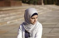 Müslüman Kadın Başörtüsünü Nasıl Takmalı