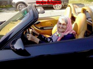 Luda baba, u napucanom, autu