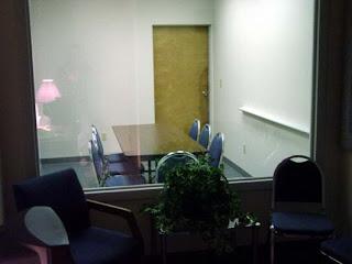 Waspadalah Dengan Cermin 2 Arah di Fasilitas Umum - www.iniunik.web.id