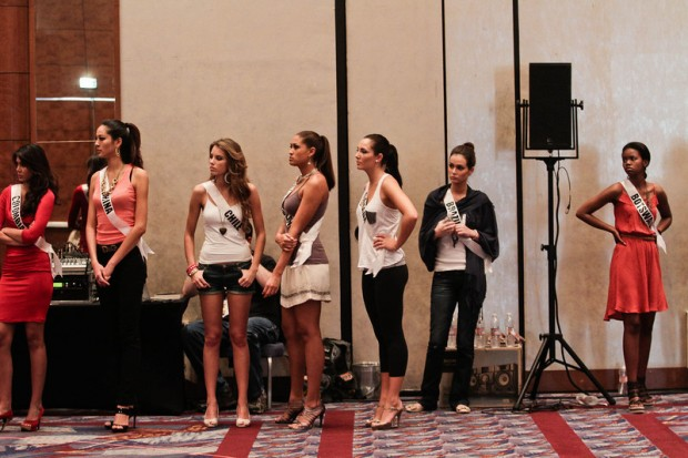 Miss Universe 2011 Contestants exercises14
