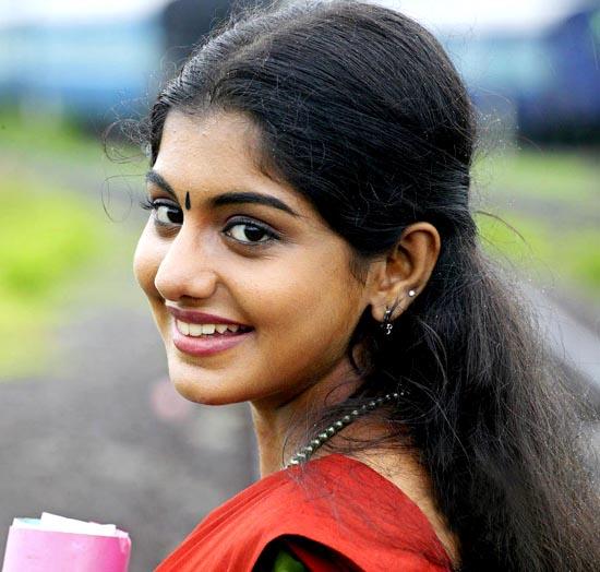 doravari satram movie heroine meera nandan stills6