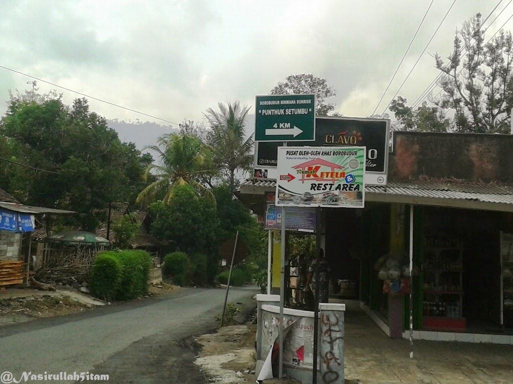 Petunjuk arah menuju Punthuk Setumbu
