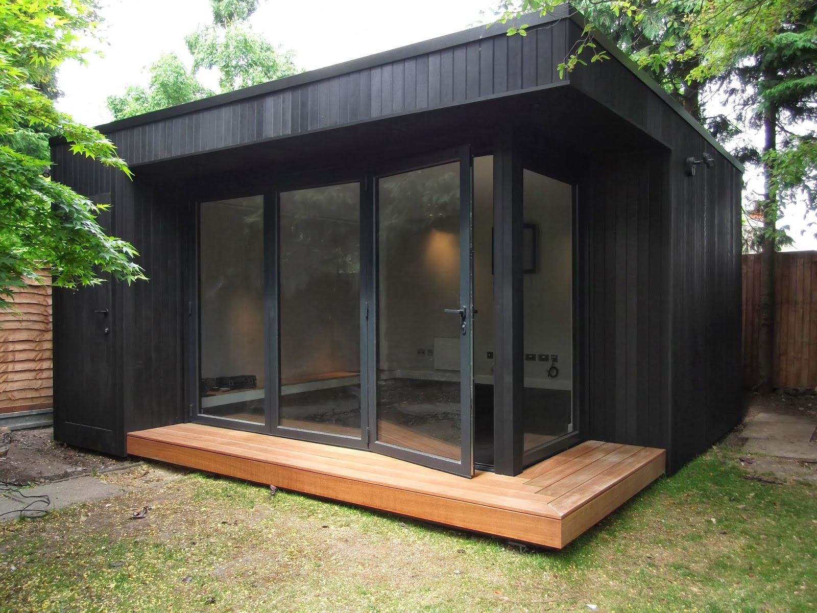 Office in my garden for Outdoor office building