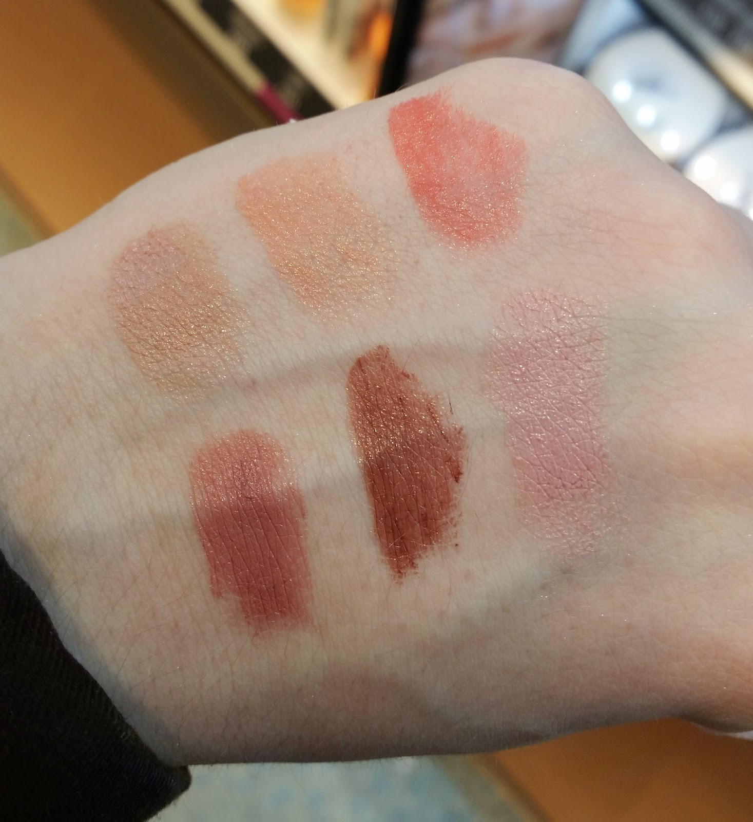 soft nude lipstick, Swatch
