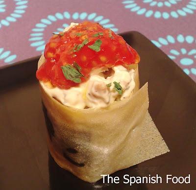 http://www.thespanishfood.es/2011/02/ensalada-de-pollo-en-crujiente-de-brick.html