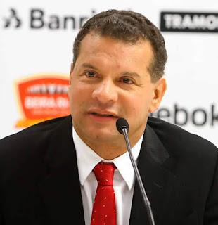 Celso Roth dirigiría a la selección Colombia