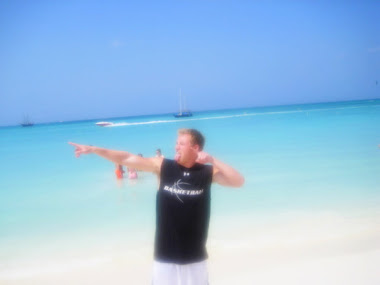 Shawn Rene's Brother Isaac, Fitness Model & Athlete Family Vacation in Aruba Candid Fun Photo