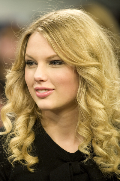 Taylor Swift Hairstyles pictures