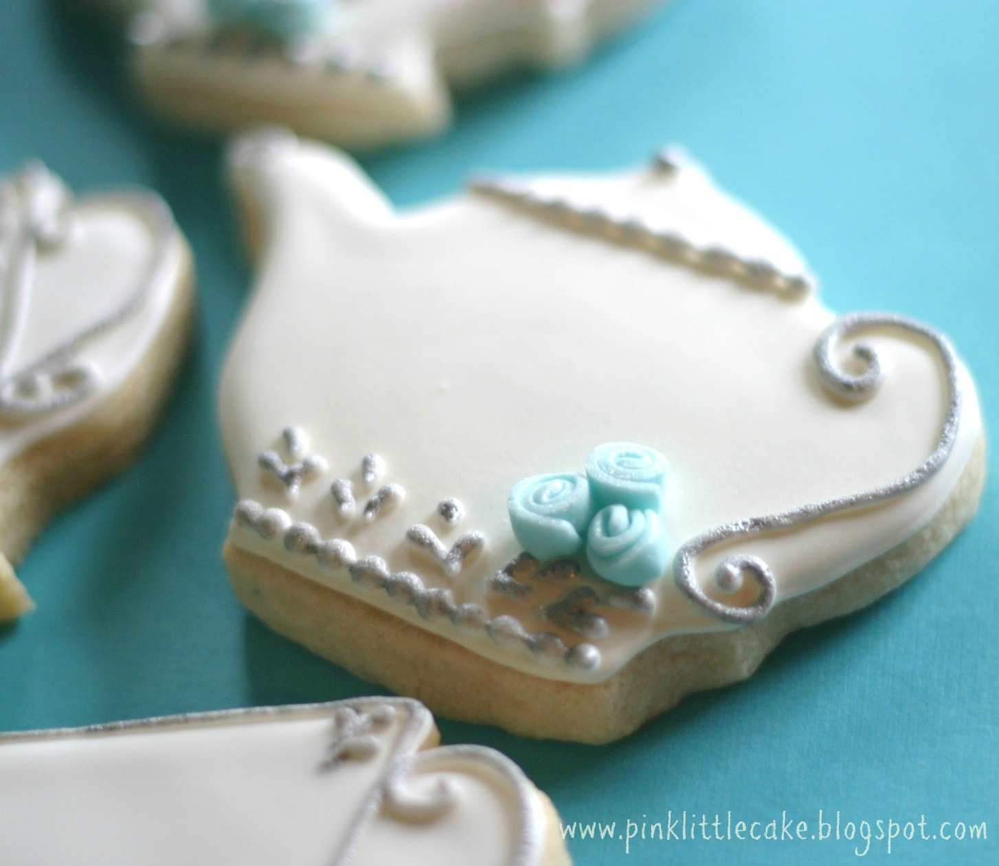 Pink Little Cake: Tea Pot Cookies-Using Luster Dust and Fondant Mini ...