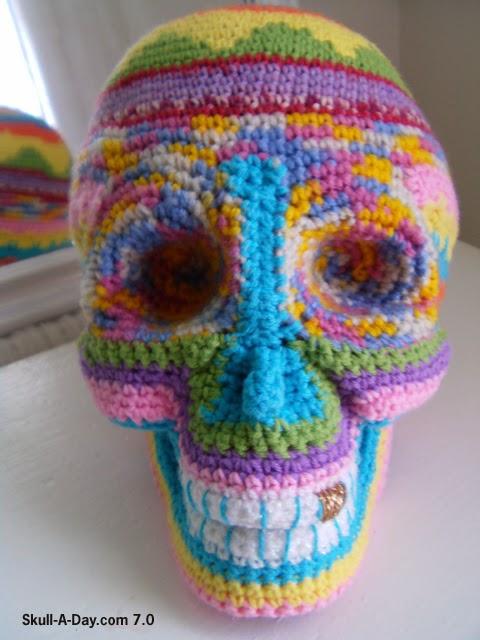 Free Amigurumi Skull Pattern : Crocheted Skull