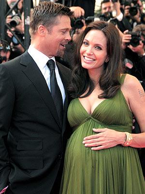 Maternity Fashion- An Oxymoron