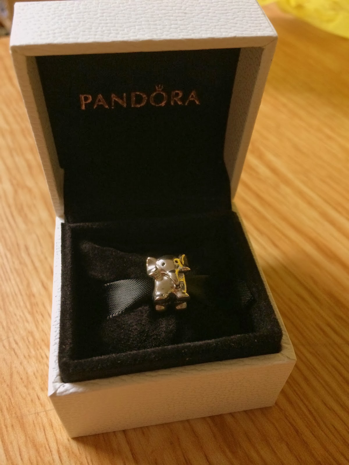 panora black girls personals This auction is for a pandora black leather bracelet that will come with a pandora pouch it is a retired bracelet so it has a different clasp but it's sterling silver and since i rarely wore the brac.