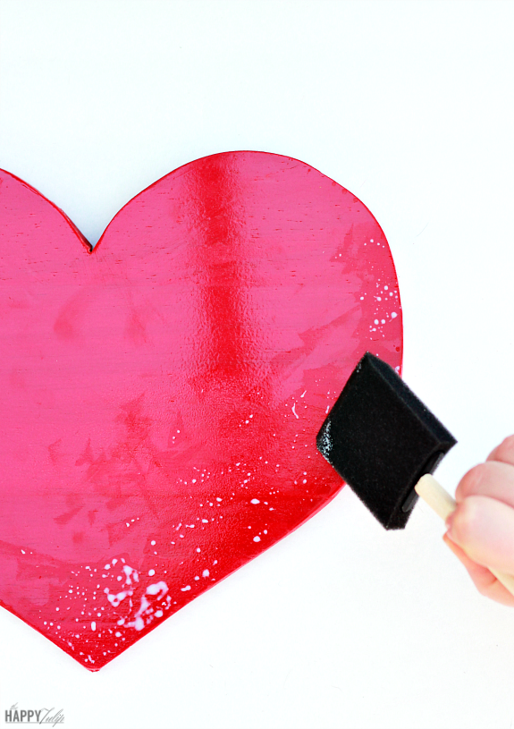 Gold Leaf Heart tutorial -- easy, beautiful Valentine's Day decor │ thehappytulip.com