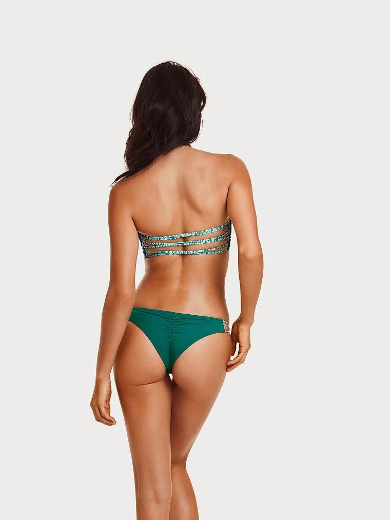 عارضة الأزياء شانينا شايك في صور بالملابس الداخلية لفيكتوريا سيكريت