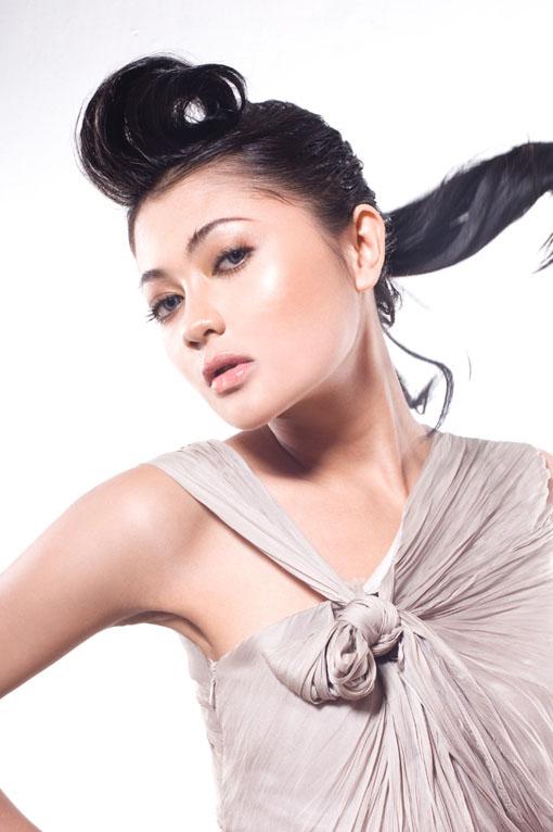 Foto-Foto Indah Dewi Pertiwi