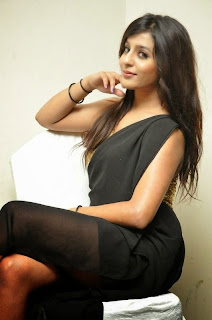 Seejal Spicy tamil VJ in a lovely Transparent Leg Split Saree WOW