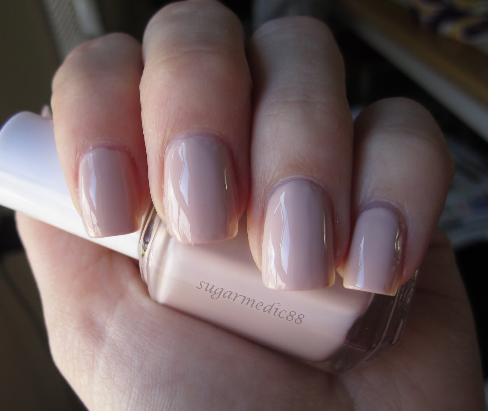 The Polished Medic: Essie Topless & Barefoot