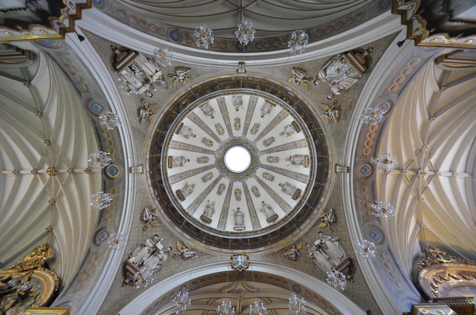 From the city of kings baroque architecture in peru for Baroque architecture examples
