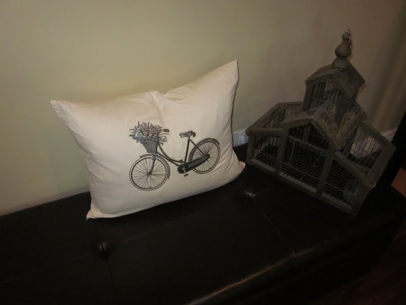 Throw Away Pillow Cases : Our Adventures in Home Improvement: Don t Throw Your Old Pillow Cases Away! Another Easy Pillow ...