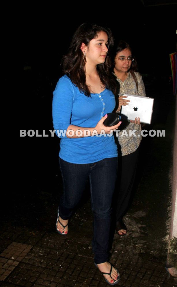 Sachin Tendulkar Daughter Sarah at Delhi Belly Special Screening