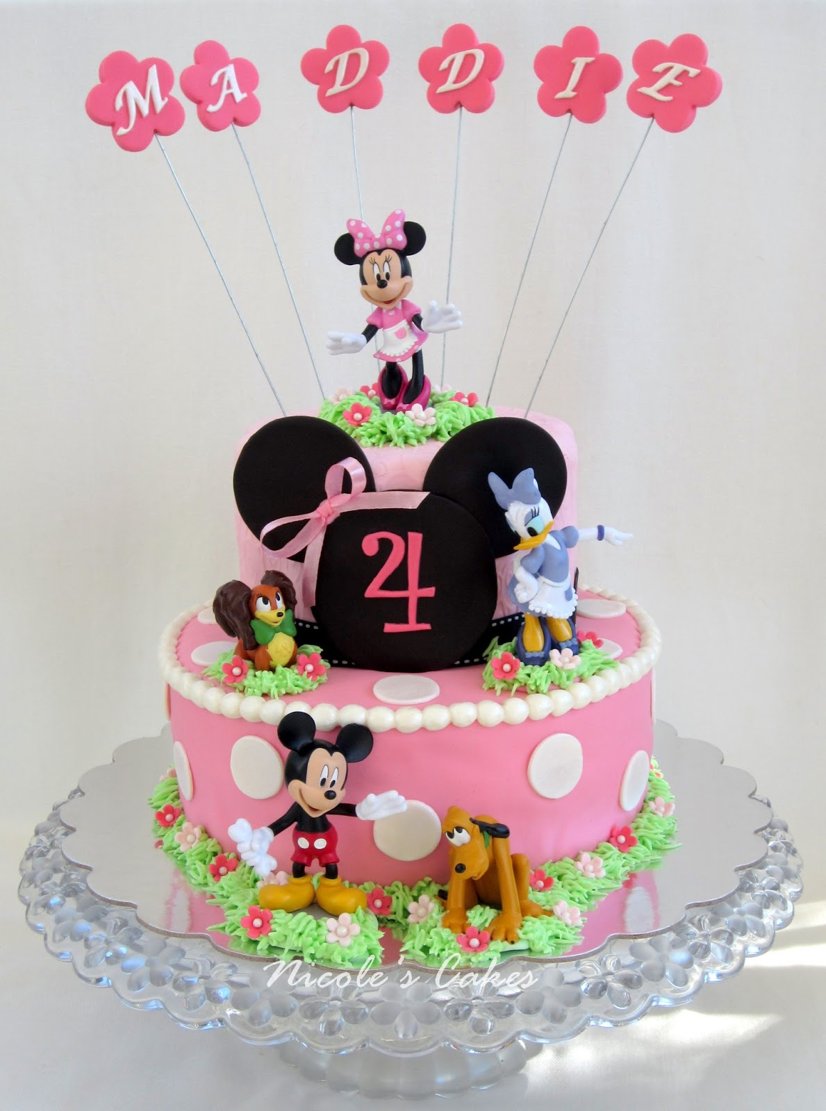Minnie Friends Cake This Custom Designed Mouse Birthday
