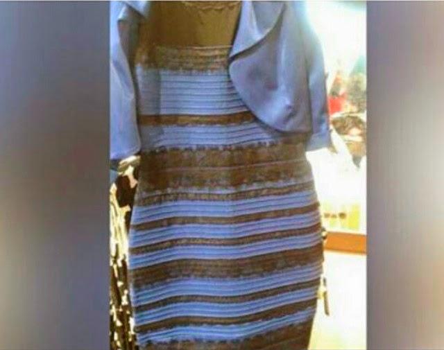 Vestido de color azul y dorado