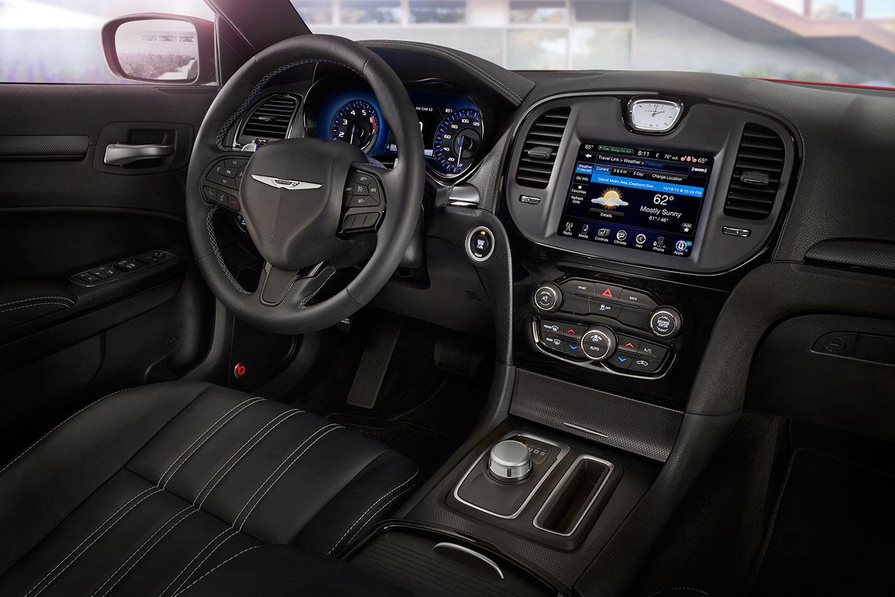 Chrysler 300 interior 2
