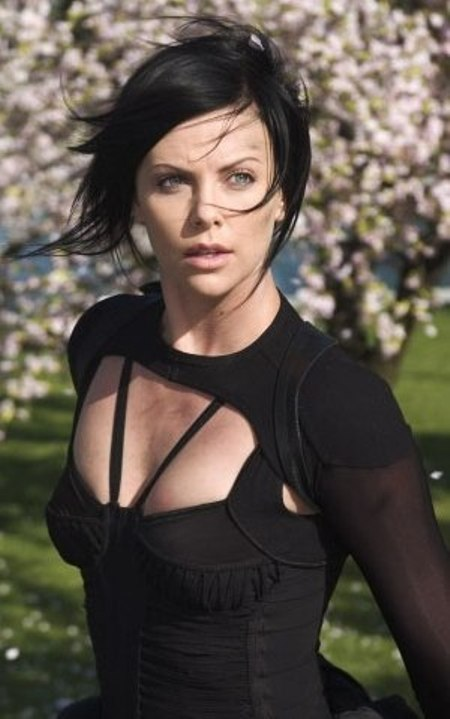 All About Celebrity: Charlize Theron Height, Weight, Body ... Charlize Theron Weight