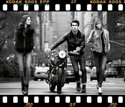 AQUEL OTOÑO INVIERNO 2011 DE DKNY Jeans