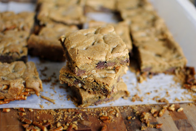 Chocolate Chip Cookie Bars l SimplyScratch.com