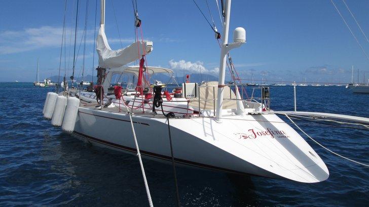 Yacht Joséphina à quai