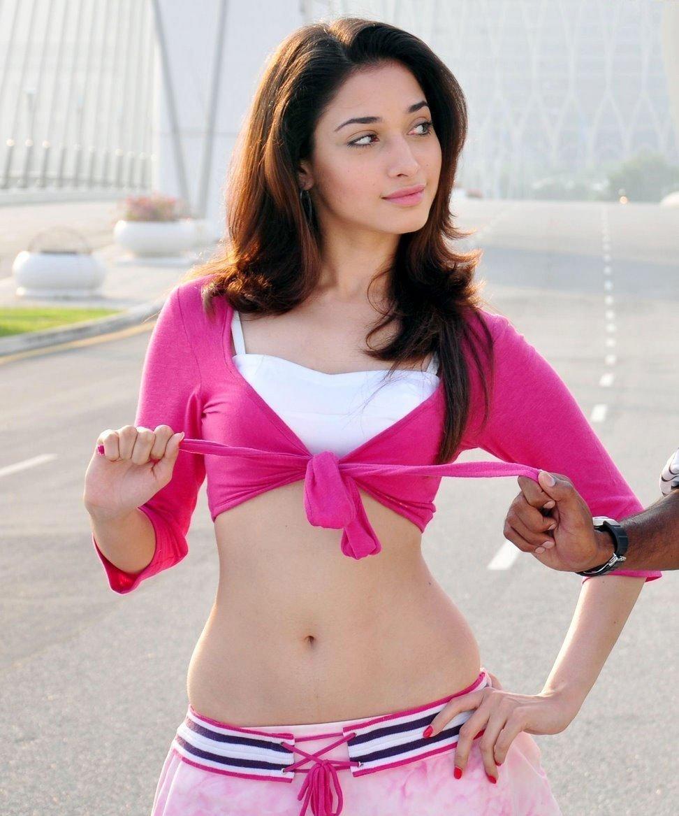 tamanna hot navel show in vengai movie stills