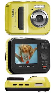 La Kodak EasyShare Sport es una económica cámara digital impermeable del tipo apunta y dispara. Parece un juguete y se opera como tal.
