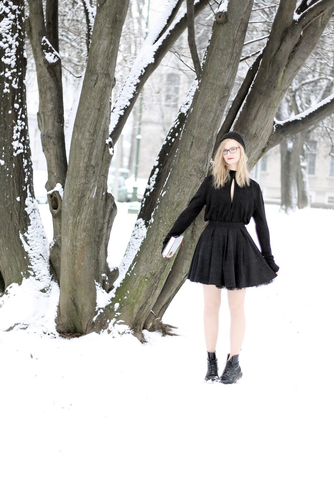 black snow white outfit