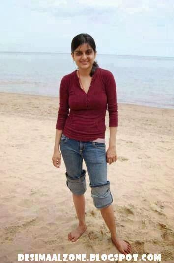 Desi Pakistani Girl In Dubai