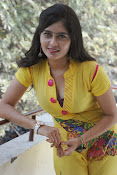 Madhumitha photos in yellow-thumbnail-18