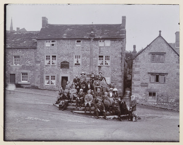 Group photograph, Geologists' Association Excursion to Derbyshire, August 3rd 1914. Bonsall.