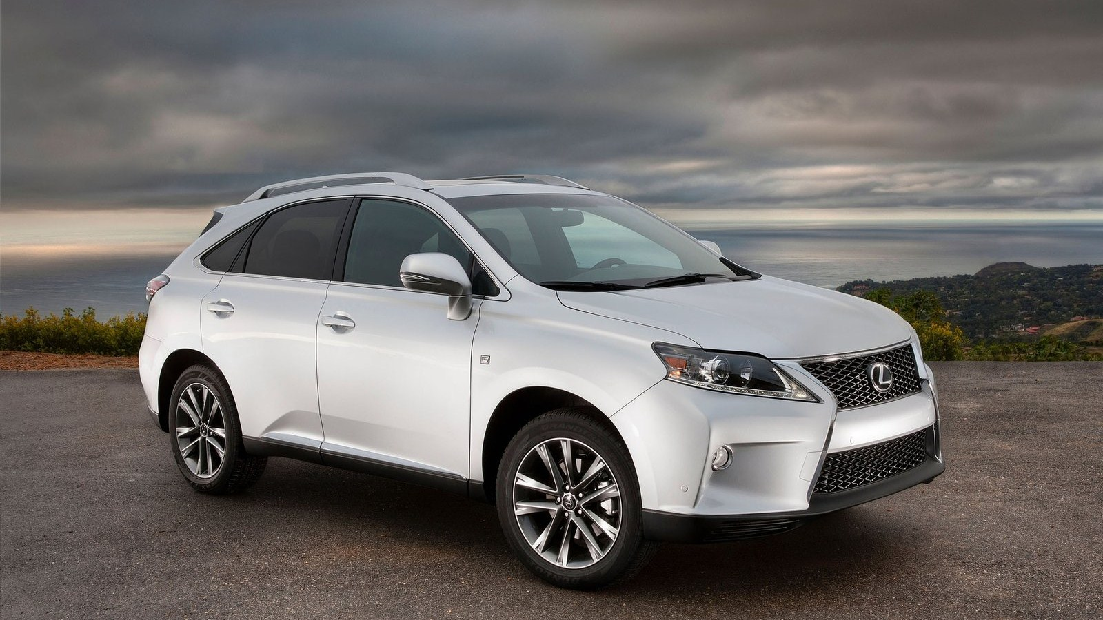 Lexus rx range auto review 350 f sport with the lexus f bumper and grill sciox Gallery