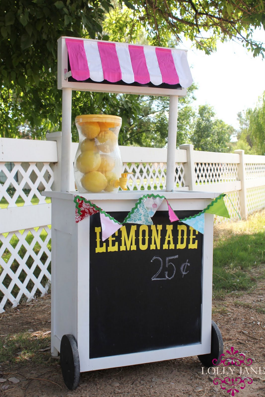Diy lemonade stand for How to build a lemonade stand on wheels