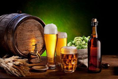 Cerveza de barril fresca, fria y espumosa. ¡Se acabó la ley seca!