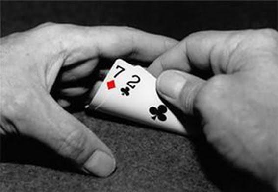 Om du ønsker å spille NM i Poker, kan du vinne et sete via turneringer på nett i stedet for å betale full pris! thumbnail