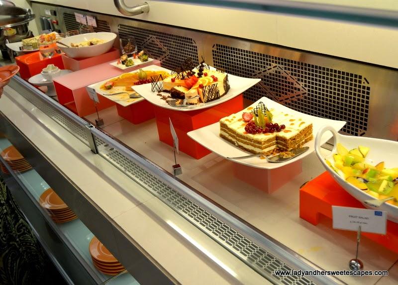 dessert buffet at BubblOrange Brunch