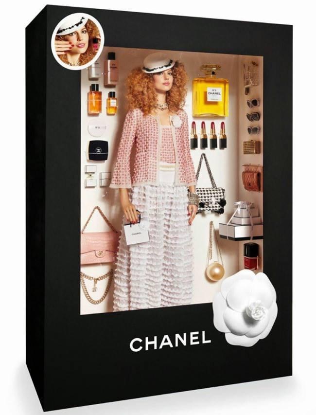 Modelos_hacen_homenaje_a_Barbie_The_Pink_Graff_03