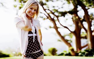 Kristen Bell Smiling Cute HD Wallpaper