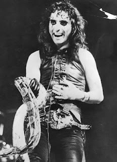 Alice Cooper snake serpent art sound wax digger reviews picture image