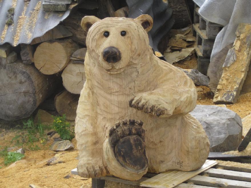 Sculpture sur bois à la tronçonneuse