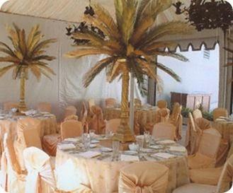 A Brides BFF 26 Non Floral Beach Wedding Centerpiece Ideas
