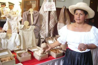 Artesanas de algodón nativo de Lambayeque