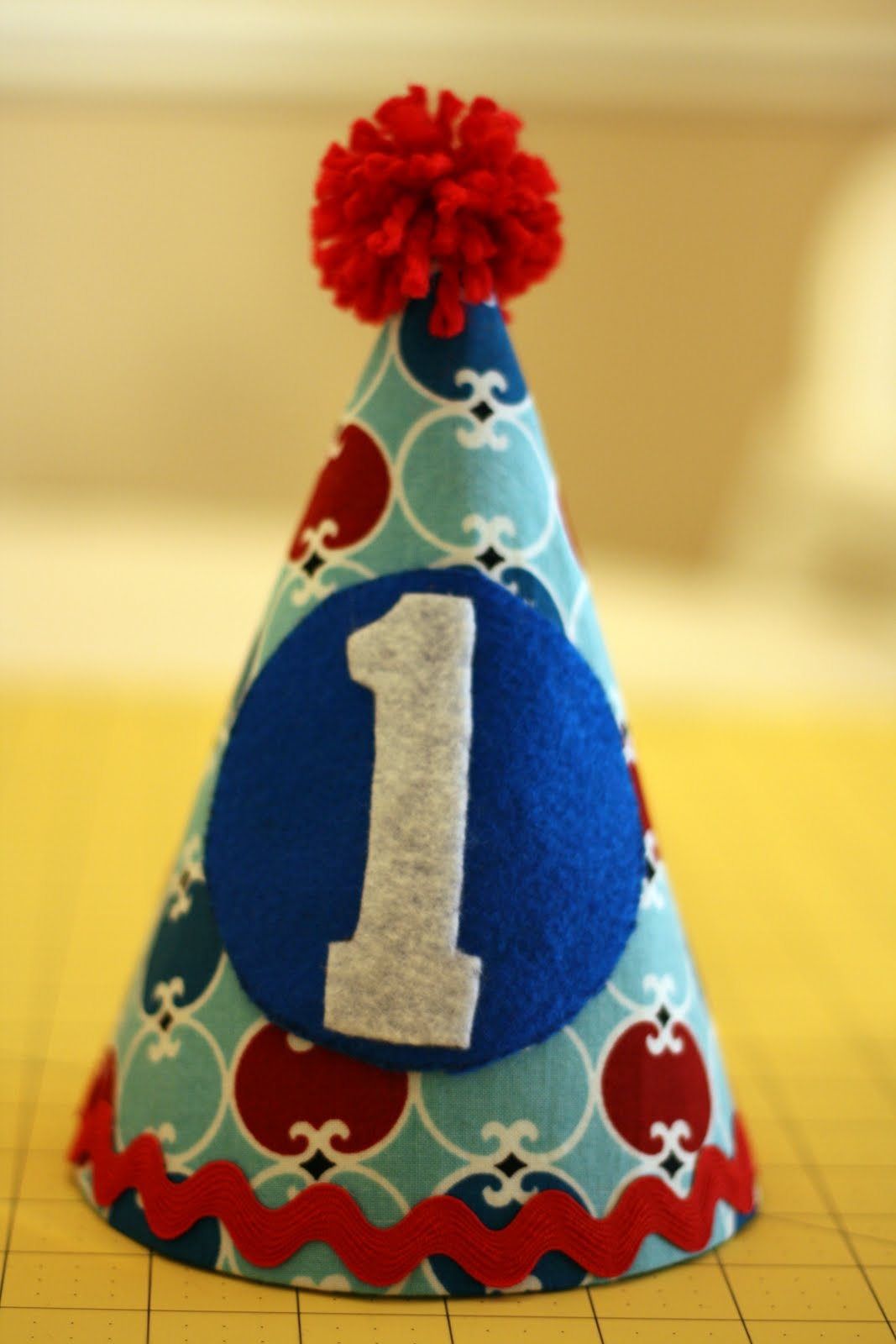 diy birthday hat tutorial amanda medlin