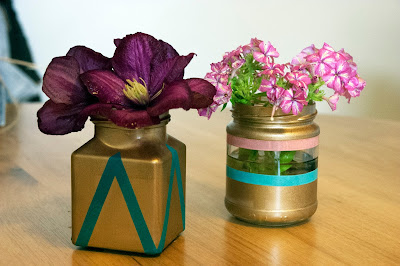 DIY mini gold washi vases from www.madewithlovebykat.co.uk